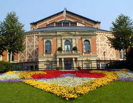 Festspielhaus1.jpg